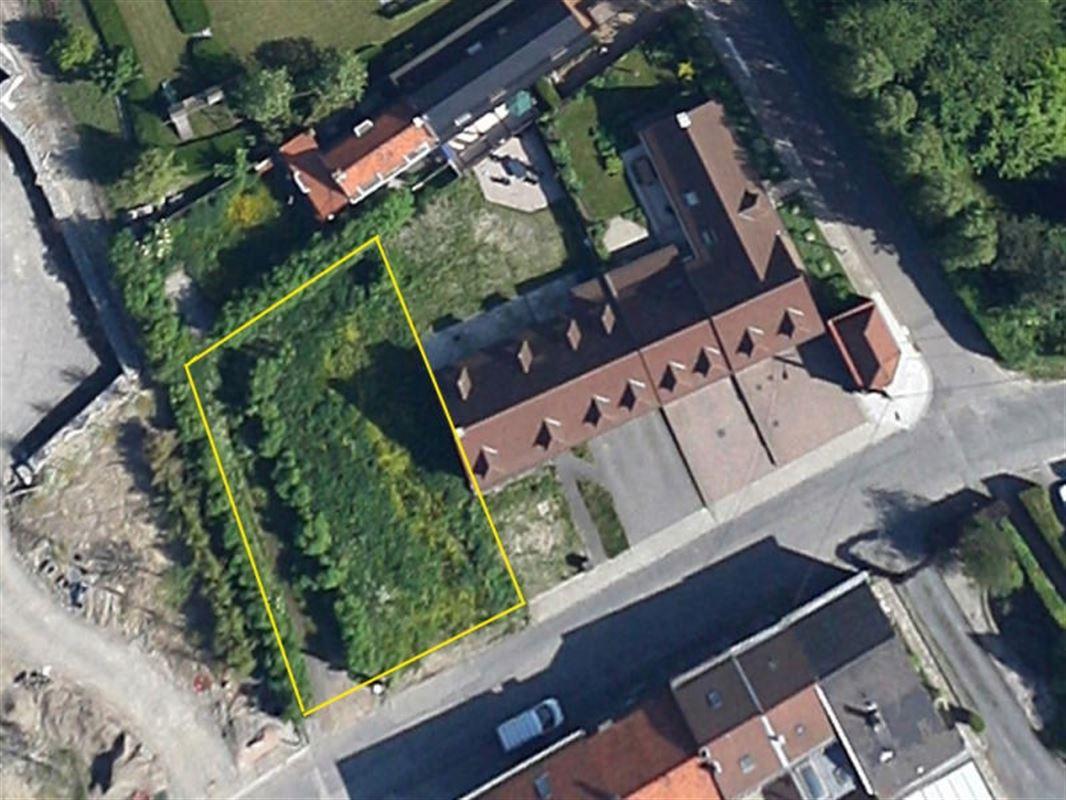 Beau terrain à bâtir de 450 m². Au bois fichaux ! Possibilité de construire une maison 3 façades. Terrain libre de constructeur. 056/554.000