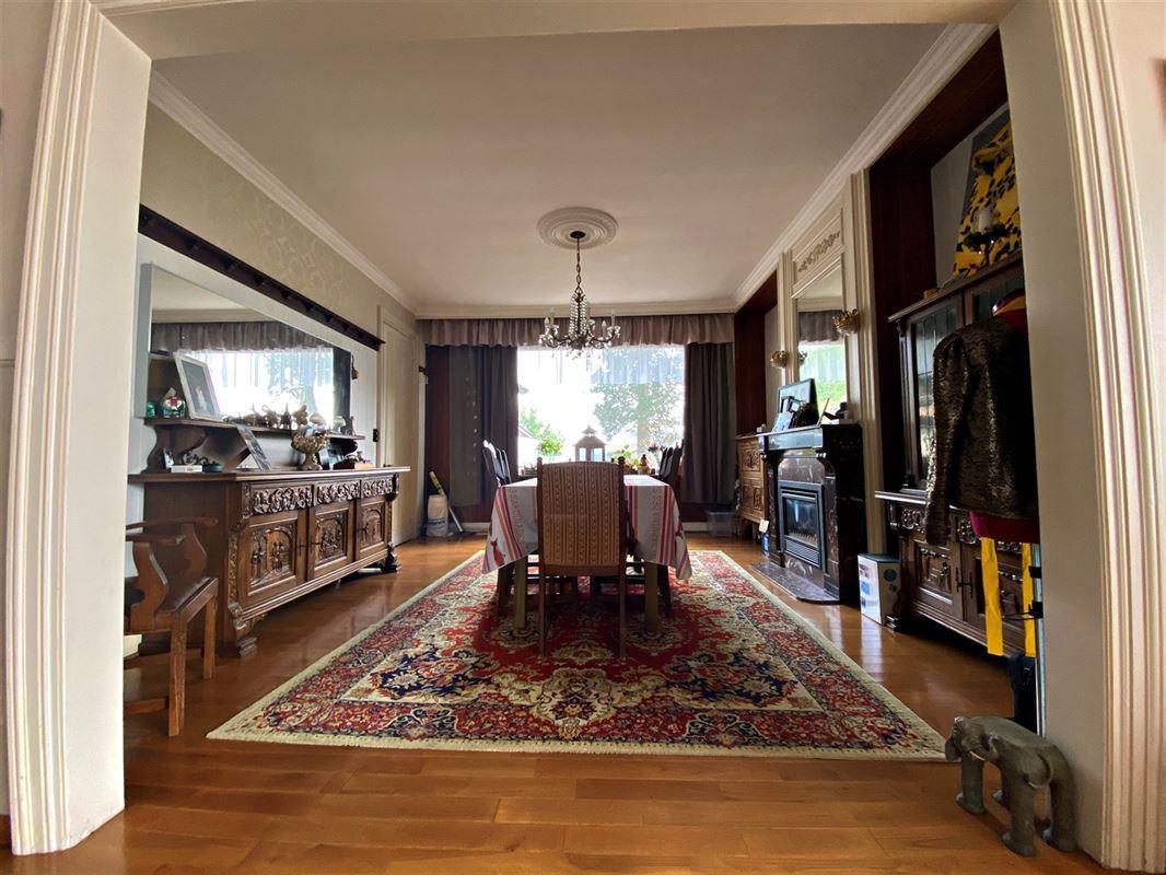 <br />Magnifique maison bourgeoise 5 chambres sur plus de 1600 m ² de terrain.<br [..]