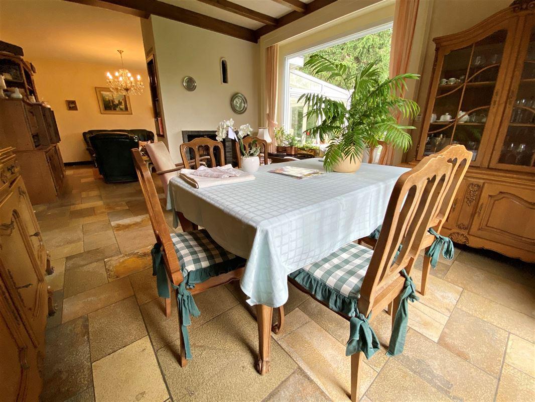 <br />Très jolie maison individuelle à moderniser à proximité des grands [..]