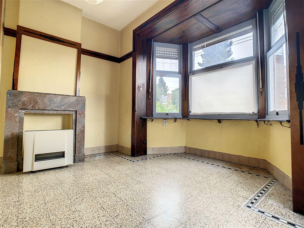Habitation 3 façades à rénover en vente à la Coquinie. <br />Au [..]