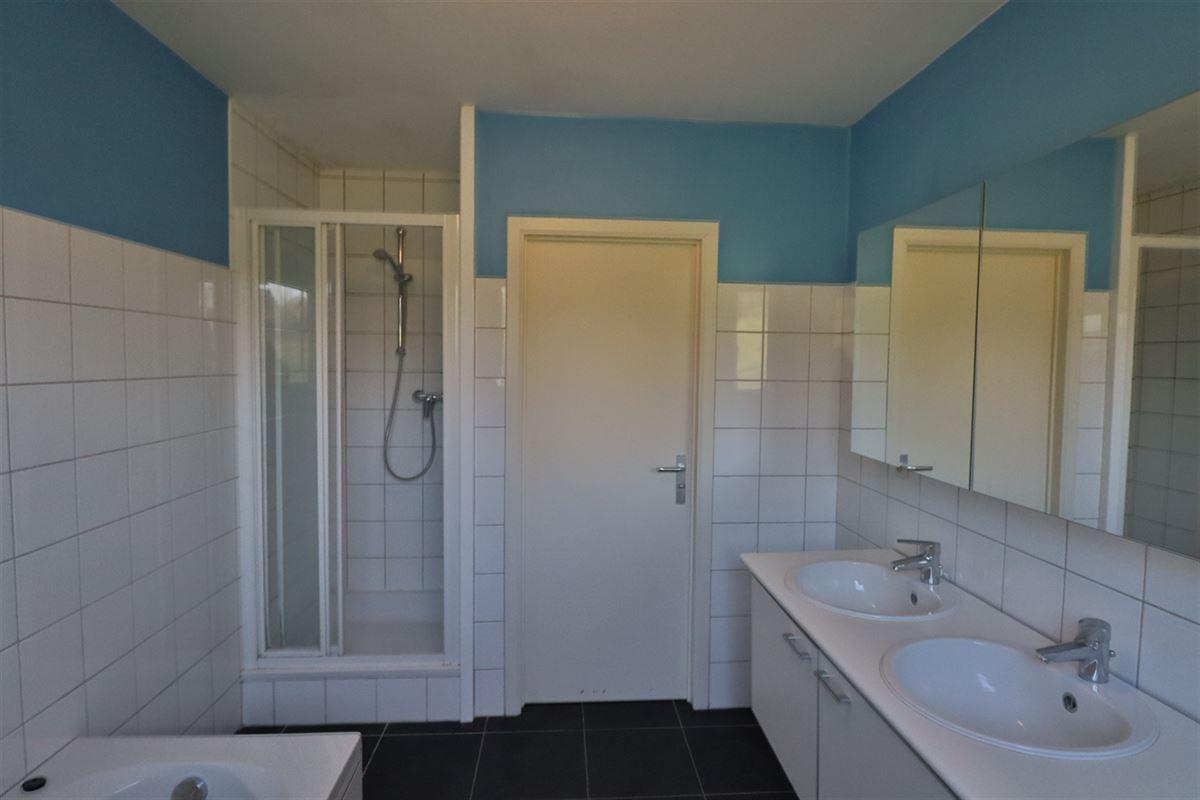 Image 25 : Bien commercial avec habitation à 5377 SOMME-LEUZE (Belgique) - Prix 395.000 €