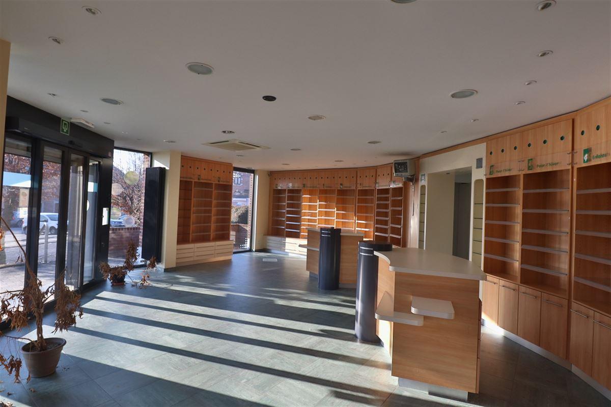 Image 6 : Bien commercial avec habitation à 5377 SOMME-LEUZE (Belgique) - Prix 395.000 €