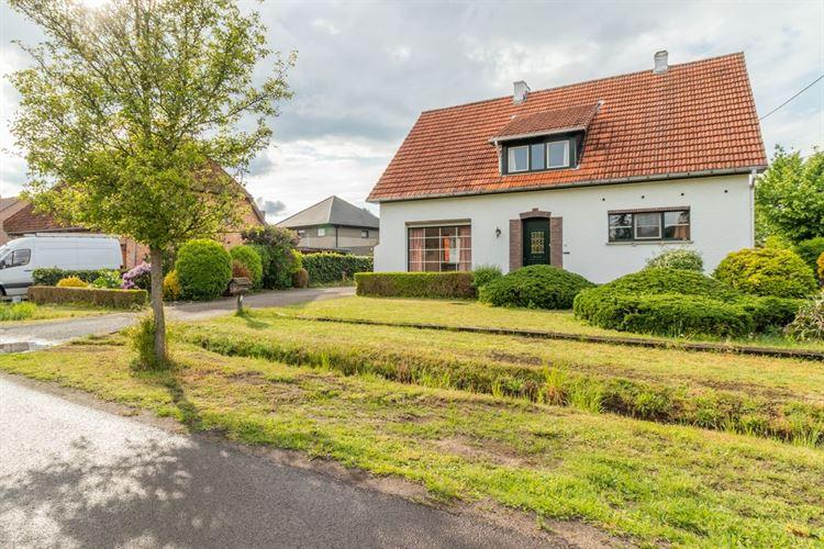 Foto  : te renoveren woning te 2460 LICHTAART (België) - Prijs € 325.000