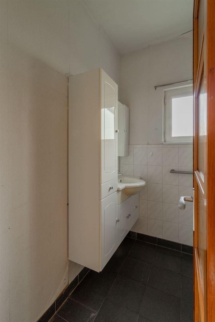 Foto 15 : te renoveren woning te 2460 LICHTAART (België) - Prijs € 325.000