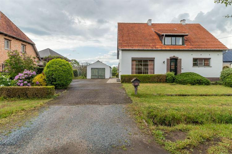 Foto 2 : te renoveren woning te 2460 LICHTAART (België) - Prijs € 325.000