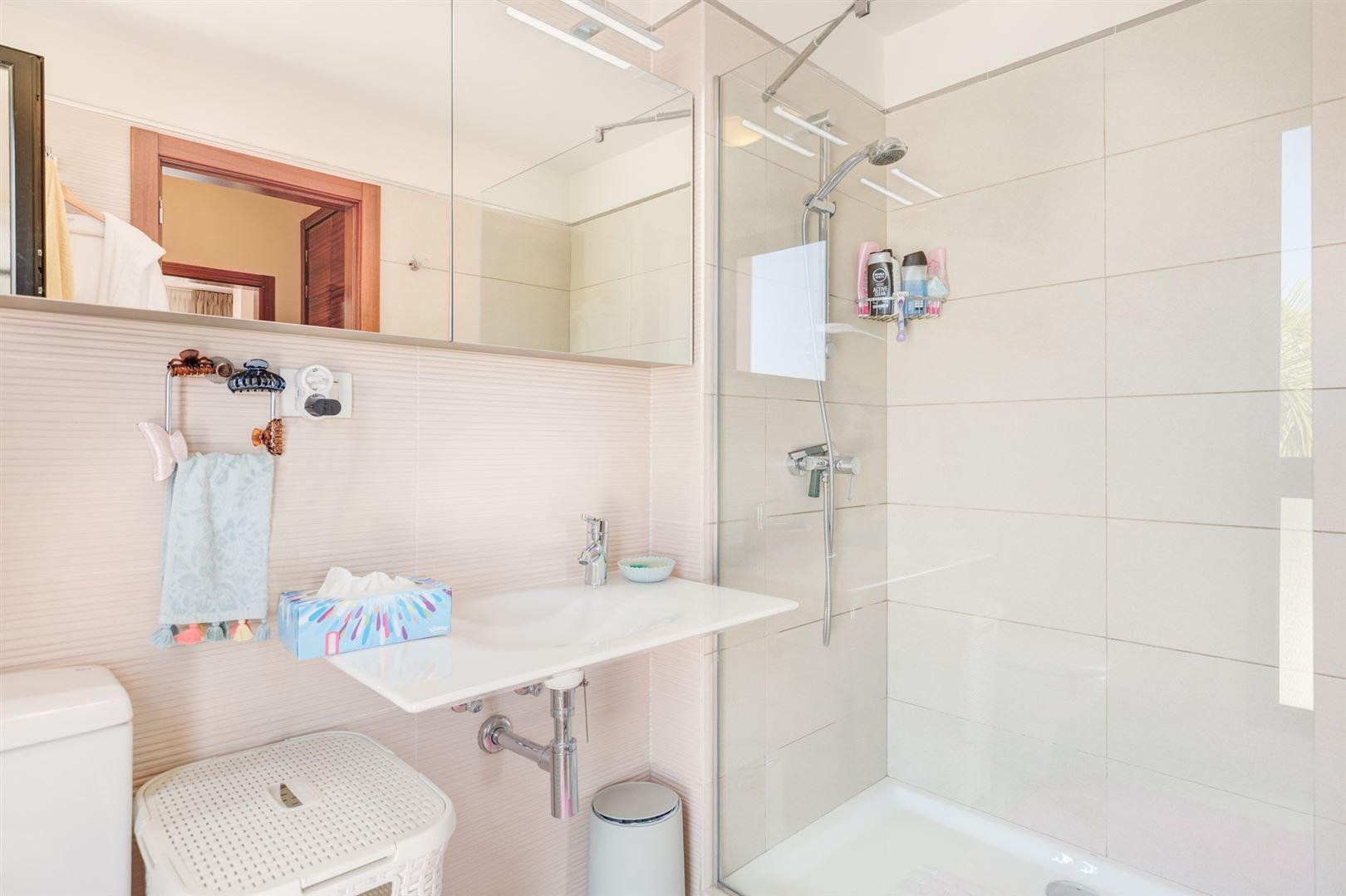 Foto 12 : Appartement te  TENERIFE (Spanje) - Prijs € 645.000