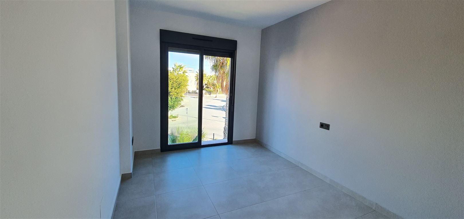 Foto 7 : Appartement te  GUARDAMAR (Spanje) - Prijs € 184.900