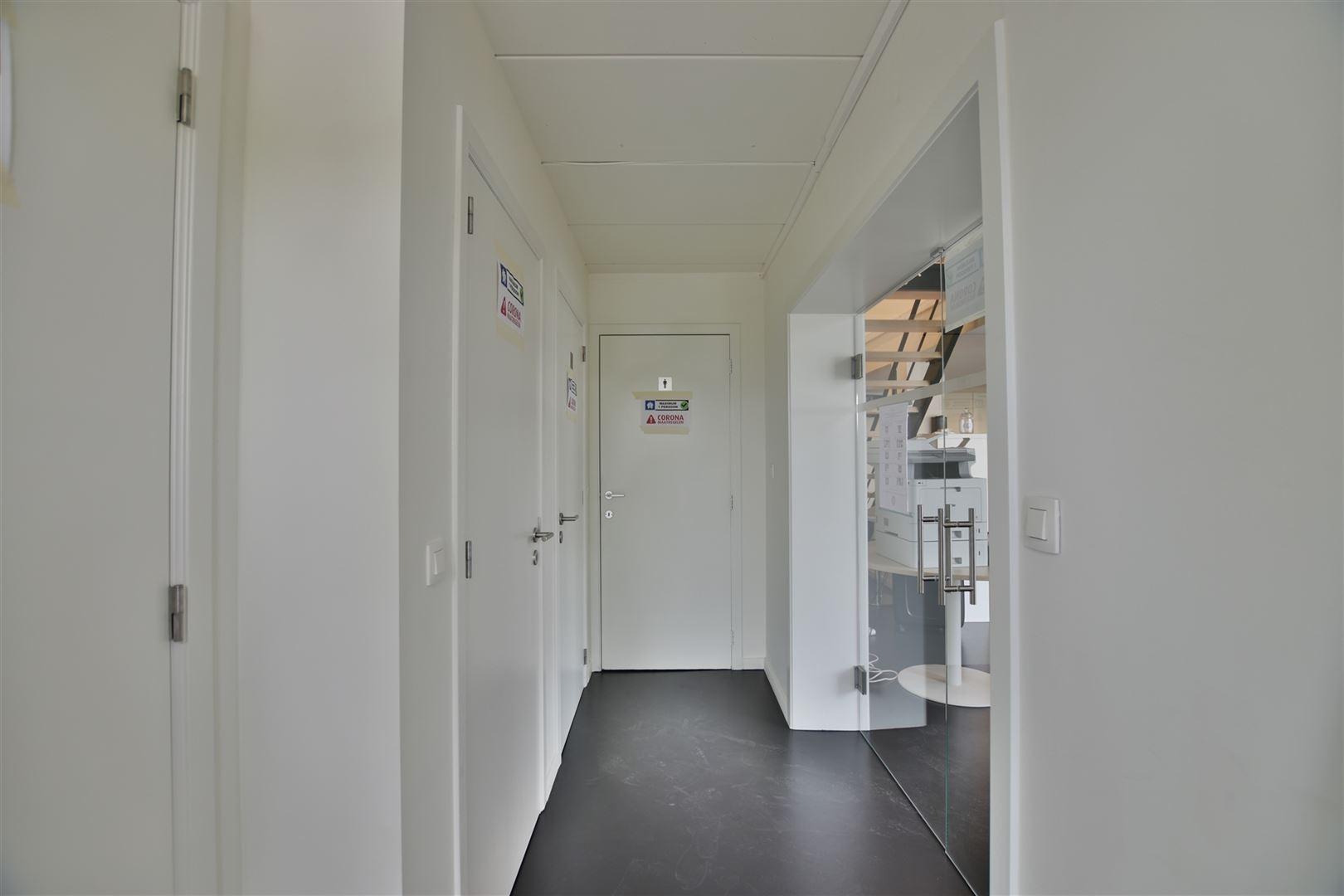 Foto 9 : Magazijn te 9200 DENDERMONDE (België) - Prijs € 559.000