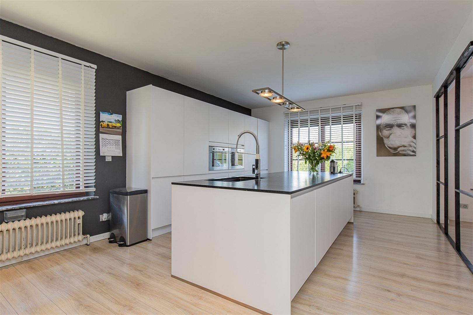 Foto 6 : Villa te 9100 SINT-NIKLAAS (België) - Prijs € 549.000