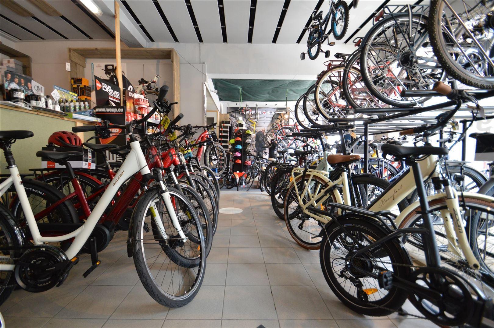 Foto 2 : Handel te 9280 LEBBEKE (België) - Prijs € 850