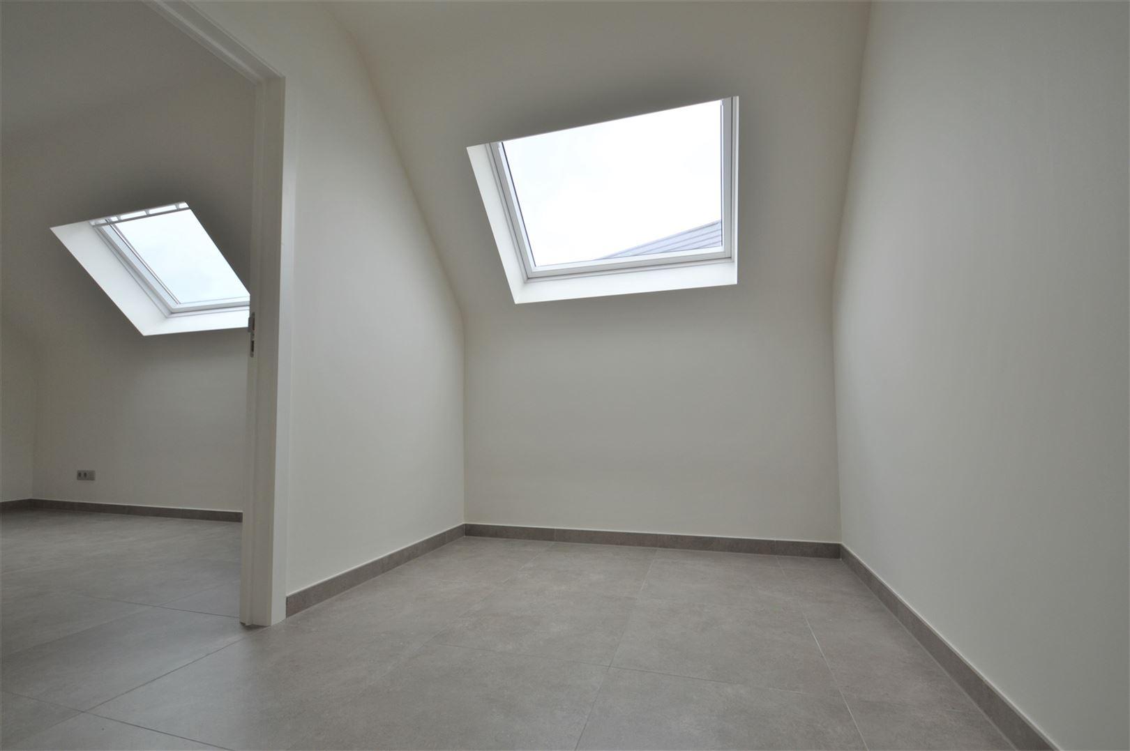 Foto 9 : Huis te 9200 APPELS (België) - Prijs € 950