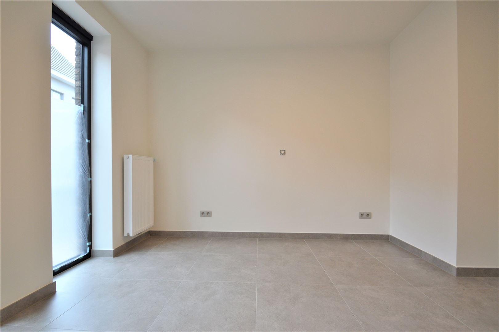 Foto 5 : Appartement te 9200 APPELS (België) - Prijs € 700