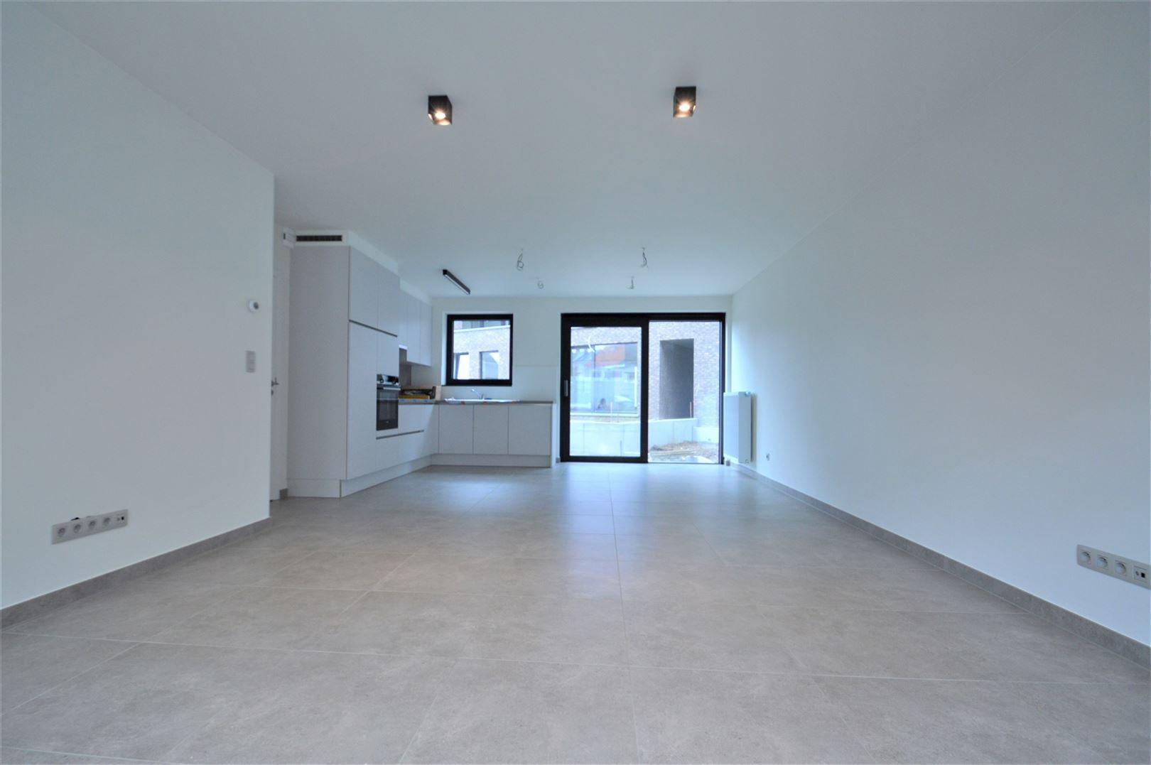 Foto 2 : Appartement te 9200 APPELS (België) - Prijs € 700