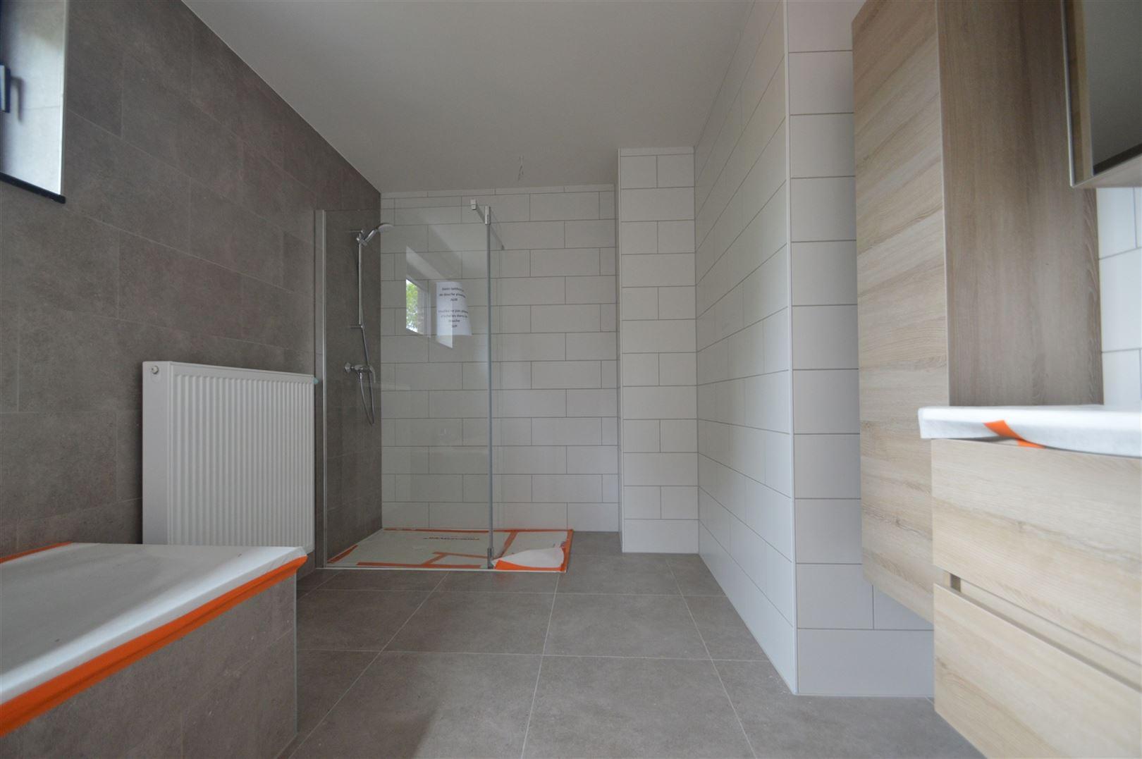Foto 7 : Huis te 9200 APPELS (België) - Prijs € 950