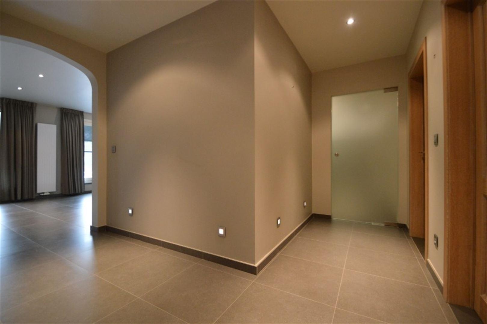 Foto 2 : Appartement te 9240 Zele (België) - Prijs € 725