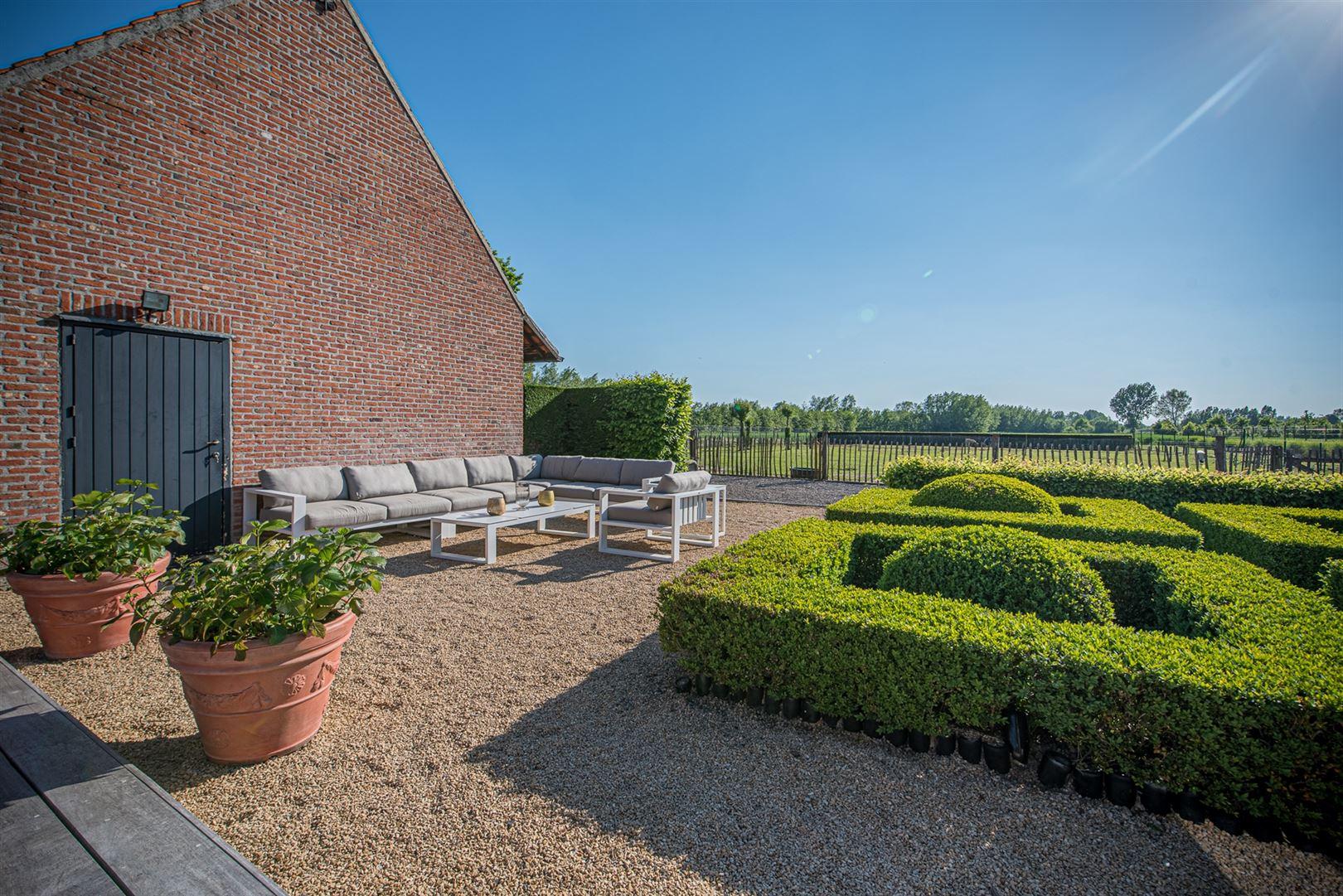 Foto 22 : Handelspand te 9160 LOKEREN (België) - Prijs € 1.400.000