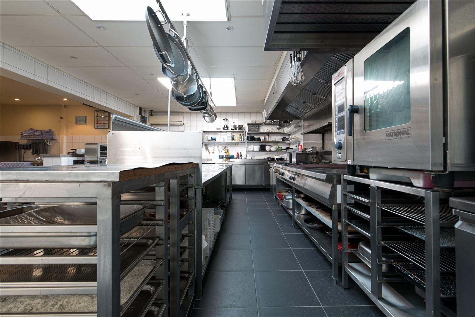 Foto 46 : Gemengd gebouw te 9160 LOKEREN (België) - Prijs € 1.400.000
