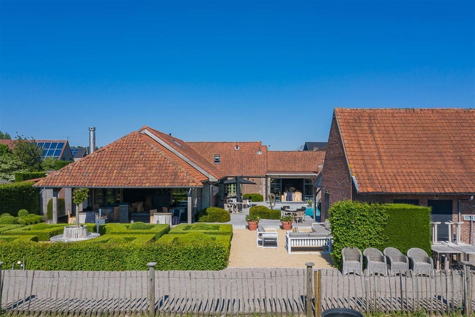 Foto 7 : Gemengd gebouw te 9160 LOKEREN (België) - Prijs € 1.400.000