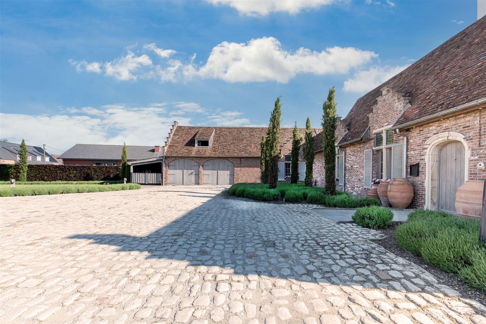 Foto 1 : Gemengd gebouw te 9160 LOKEREN (België) - Prijs € 1.400.000