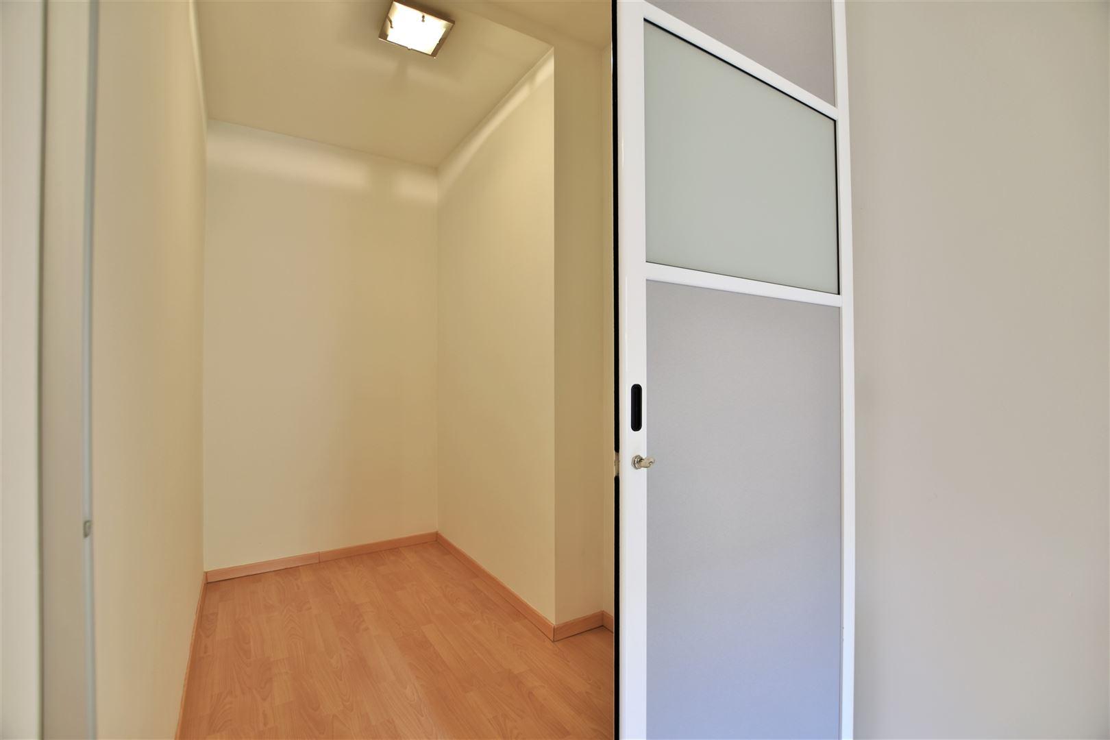Foto 15 : Appartement te 8400 OOSTENDE (België) - Prijs € 299.000