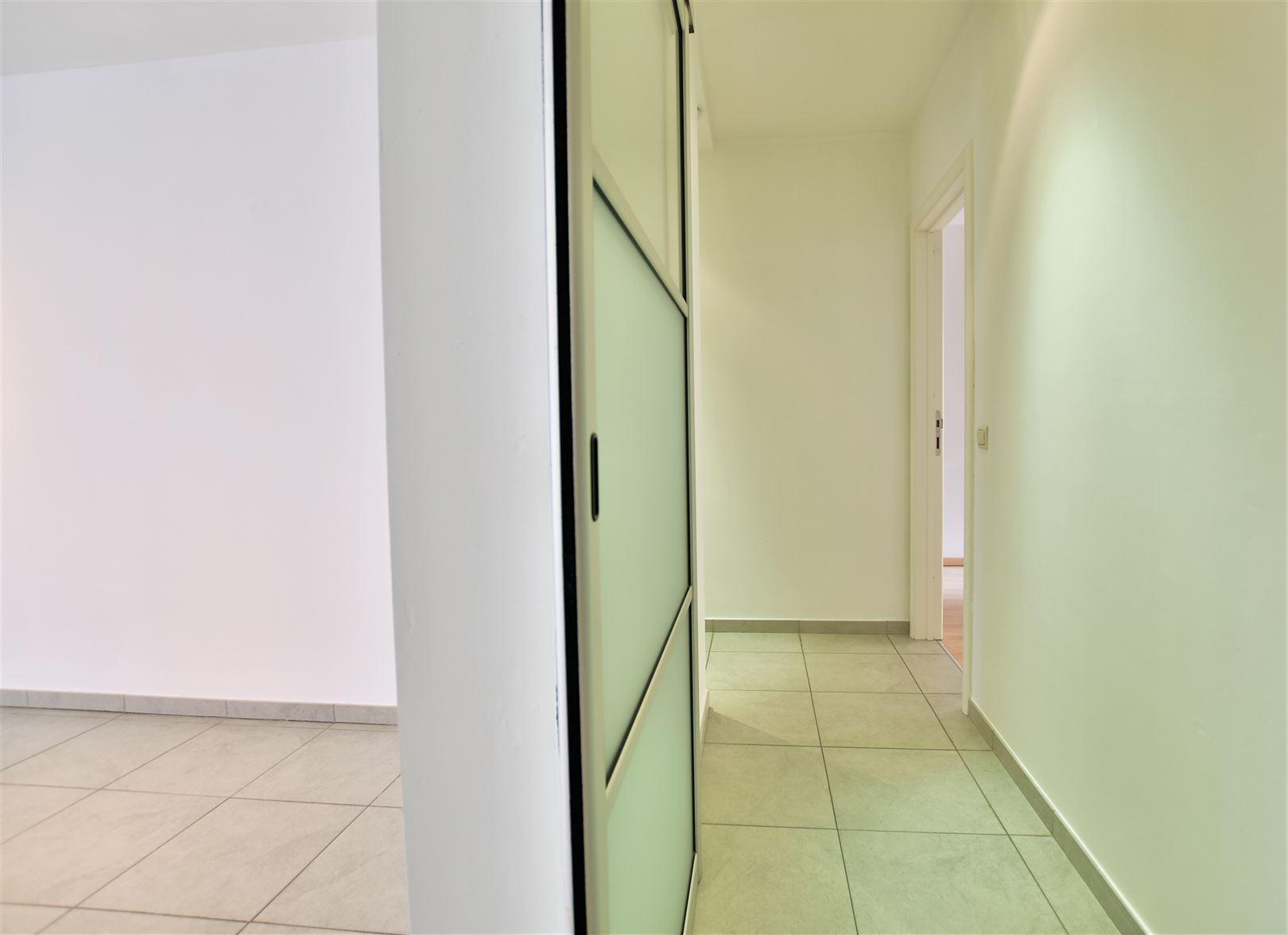 Foto 20 : Appartement te 8400 OOSTENDE (België) - Prijs € 299.000