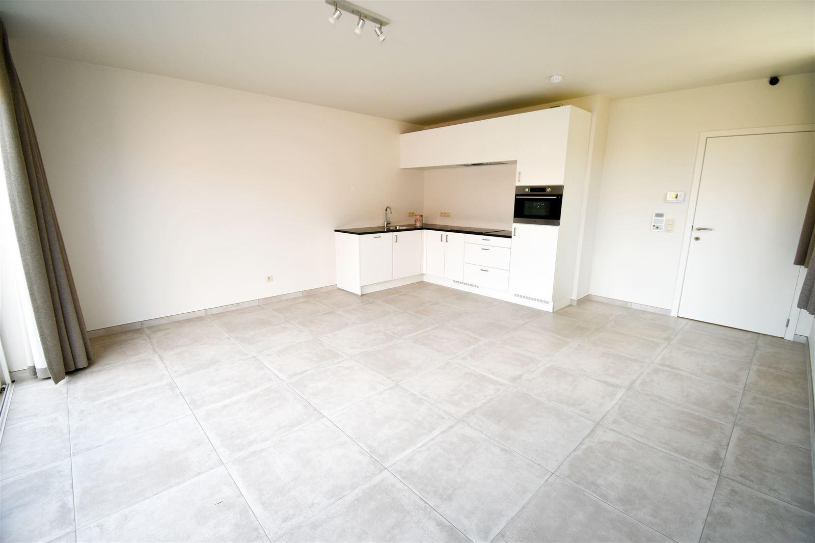 FOTO'S 9 : Appartement te 1750 EIZERINGEN (België) - Prijs € 953