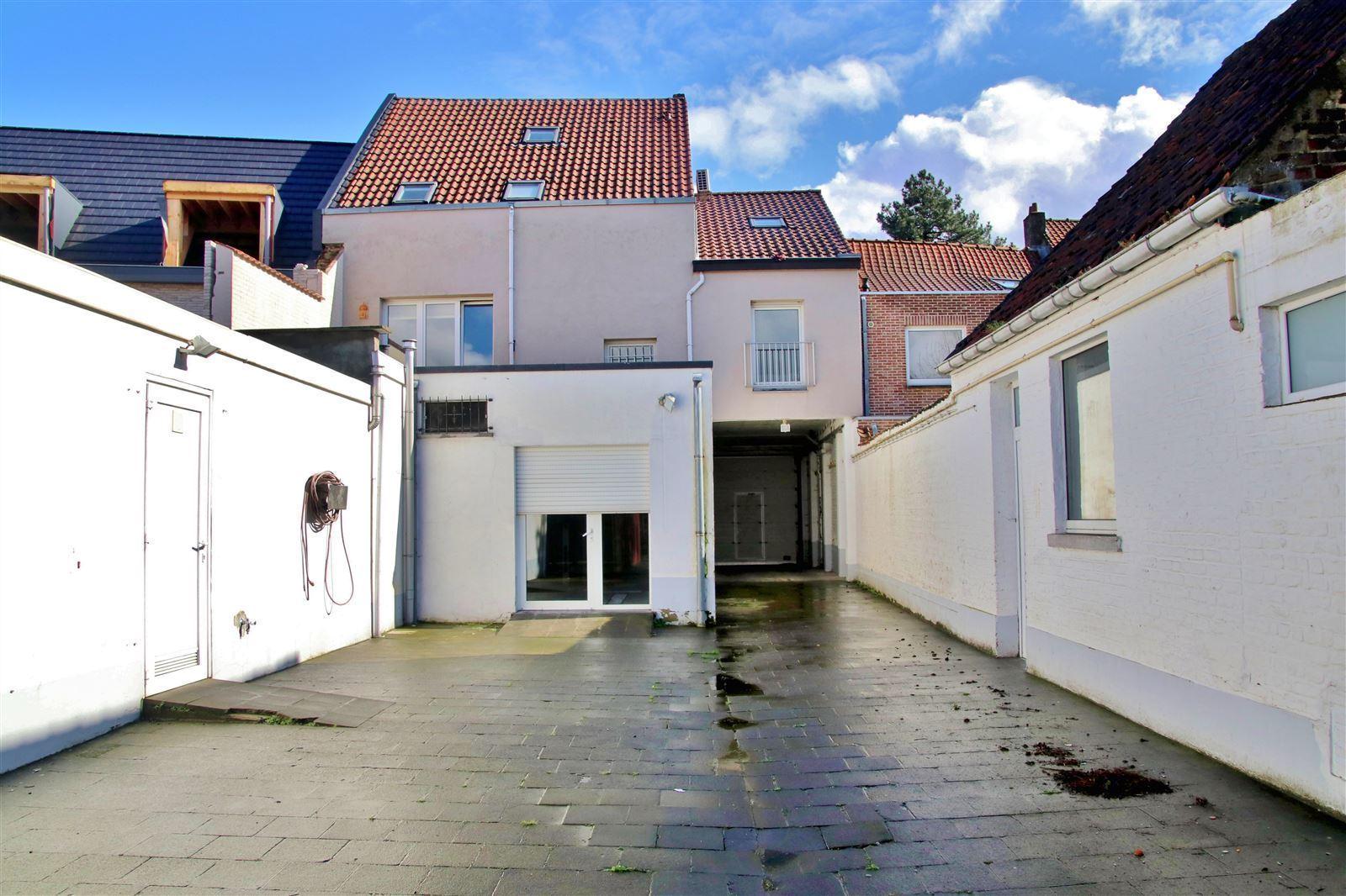 FOTO'S 8 : Handelspand te 1650 BEERSEL (België) - Prijs € 505.000