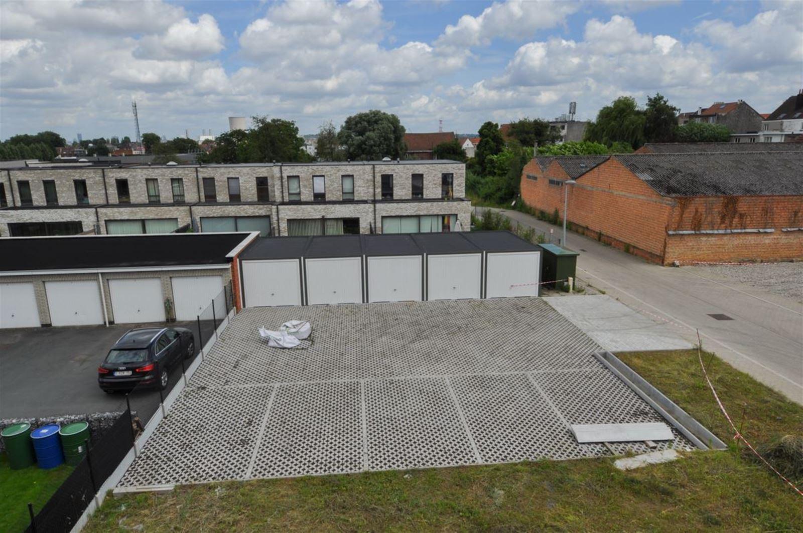 FOTO'S 12 : Appartement te 1600 SINT-PIETERS-LEEUW (België) - Prijs € 790
