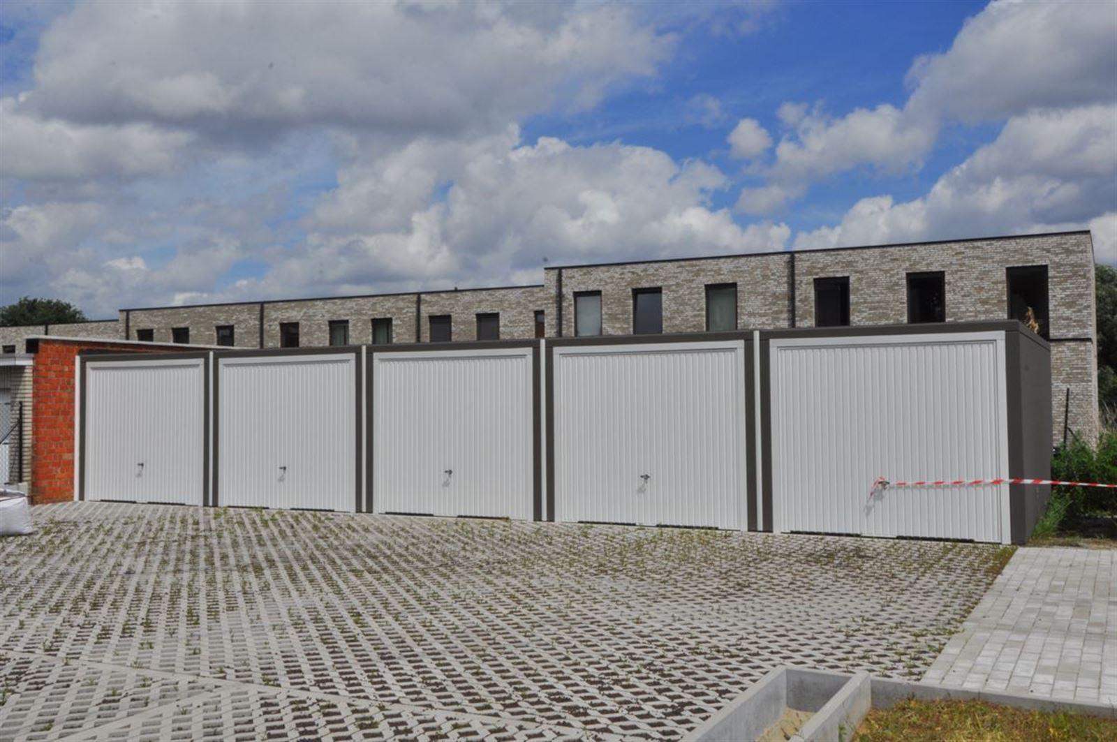 FOTO'S 13 : Appartement te 1600 SINT-PIETERS-LEEUW (België) - Prijs € 790
