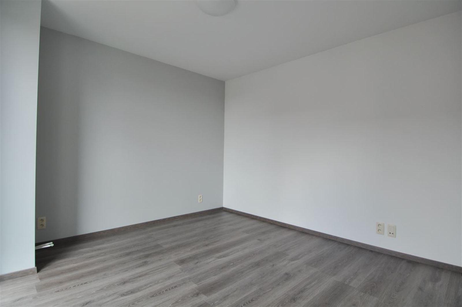 FOTO'S 7 : Appartement te 1600 SINT-PIETERS-LEEUW (België) - Prijs € 790