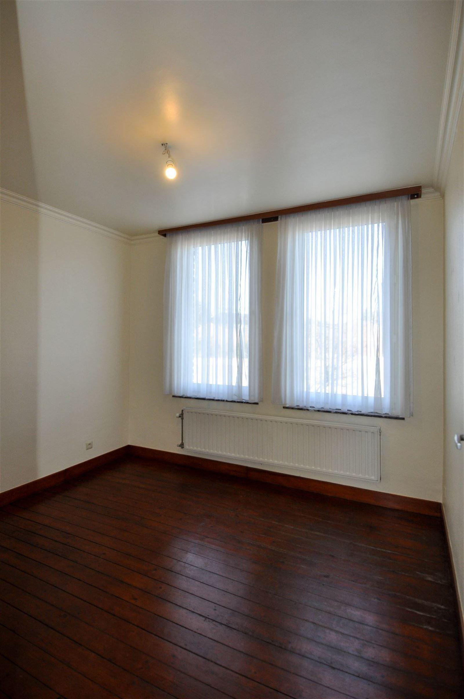 FOTO'S 8 : Appartement te 1651 LOT (België) - Prijs € 810