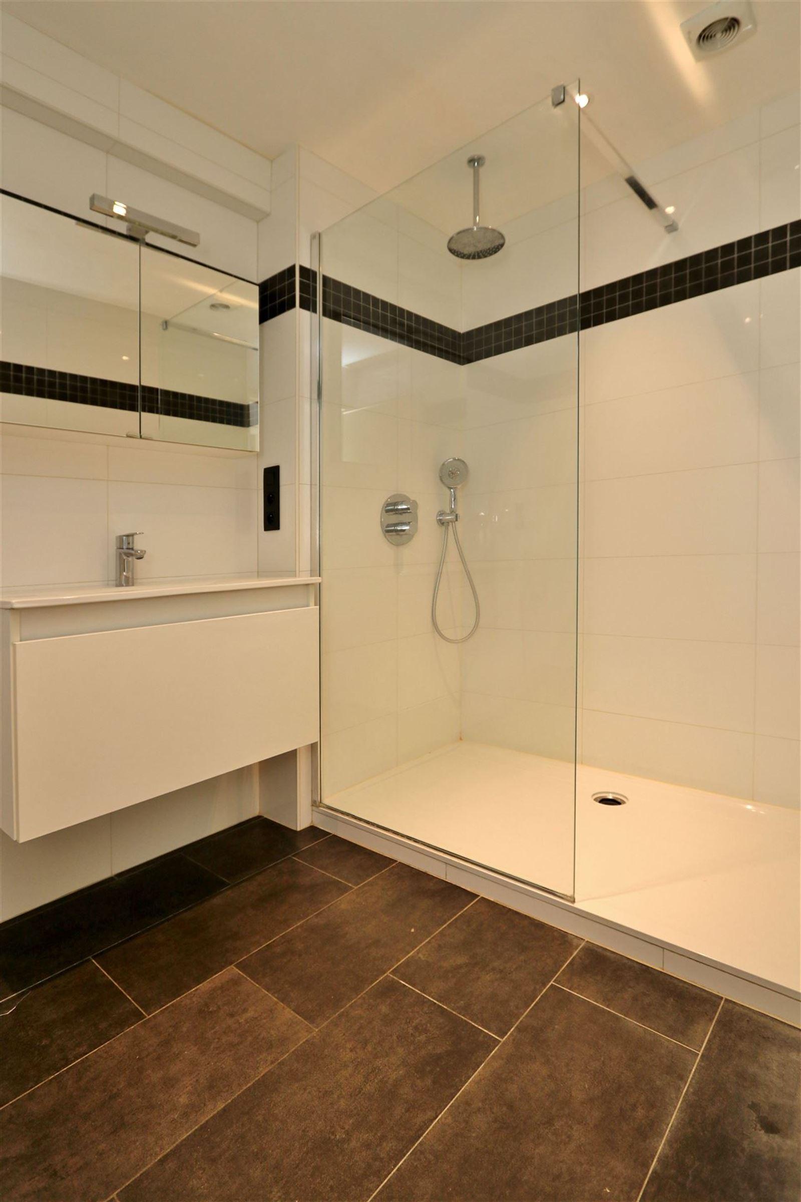 FOTO'S 9 : Appartement te 1500 HALLE (België) - Prijs € 890