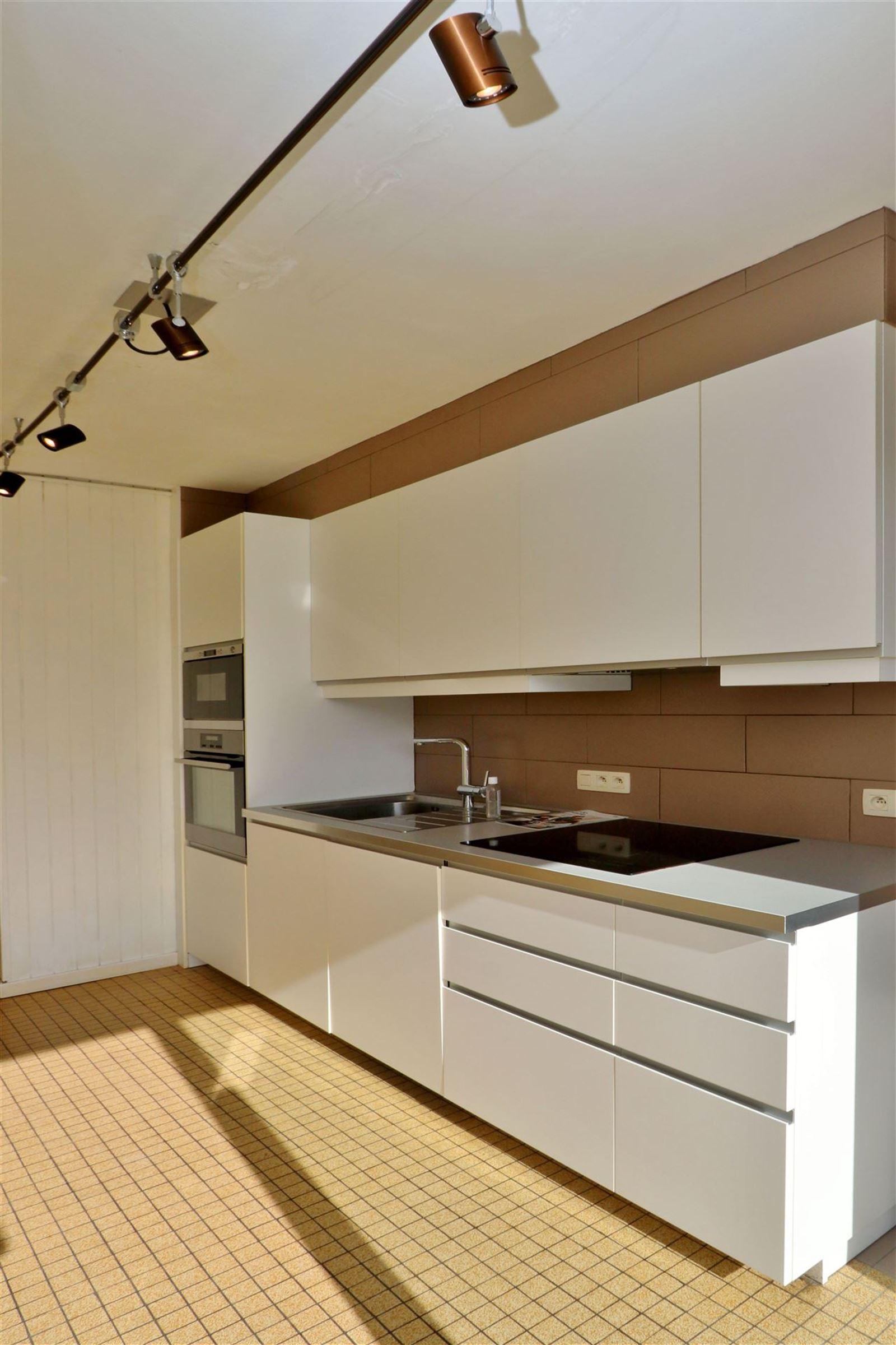 FOTO'S 11 : Appartement te 1500 HALLE (België) - Prijs € 890