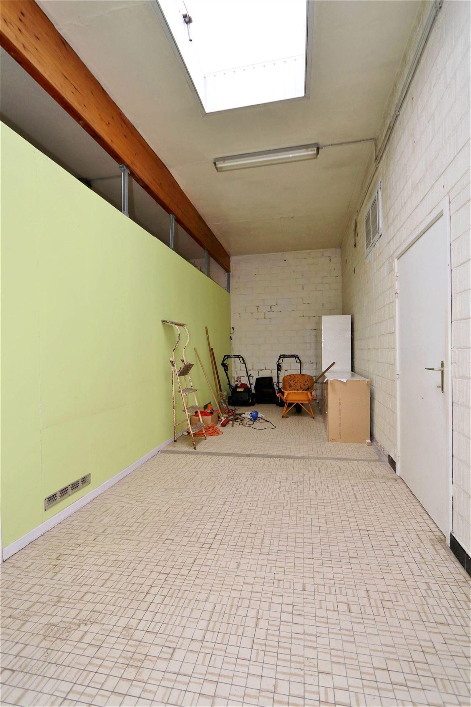 FOTO'S 24 : Appartementsgebouw te 1650 BEERSEL (België) - Prijs € 535.000