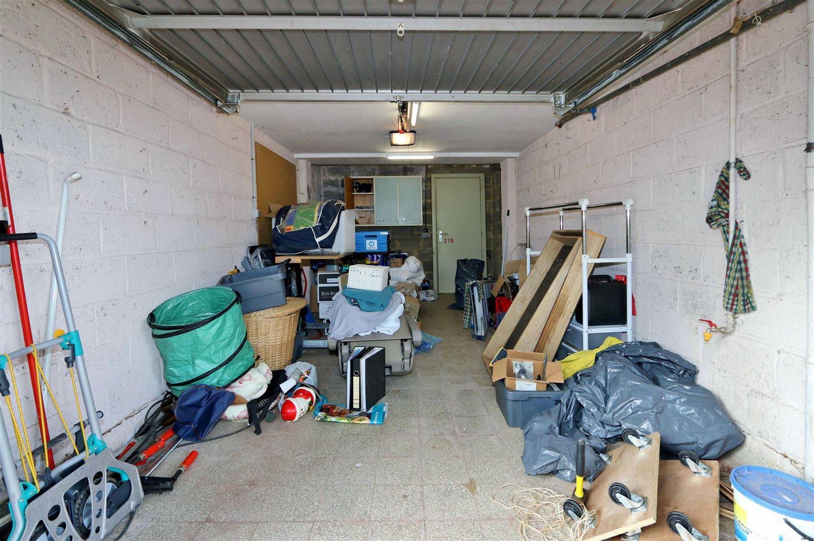 FOTO'S 24 : Appartement te 1630 LINKEBEEK (België) - Prijs € 278.000
