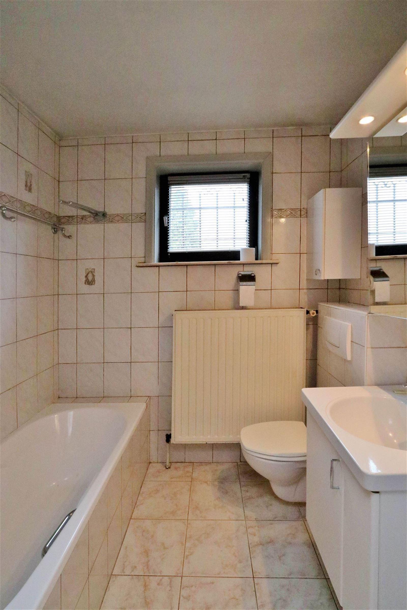 FOTO'S 16 : Appartementsgebouw te 1650 BEERSEL (België) - Prijs € 535.000