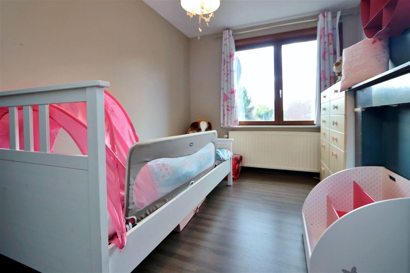 FOTO'S 12 : Woning te 1600 SINT-PIETERS-LEEUW (België) - Prijs € 299.000