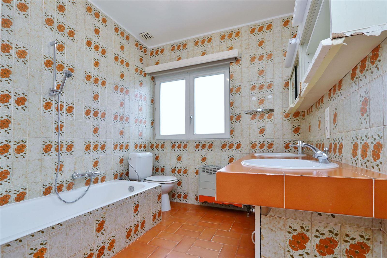 FOTO'S 7 : Villa te 1650 BEERSEL (België) - Prijs € 1.300