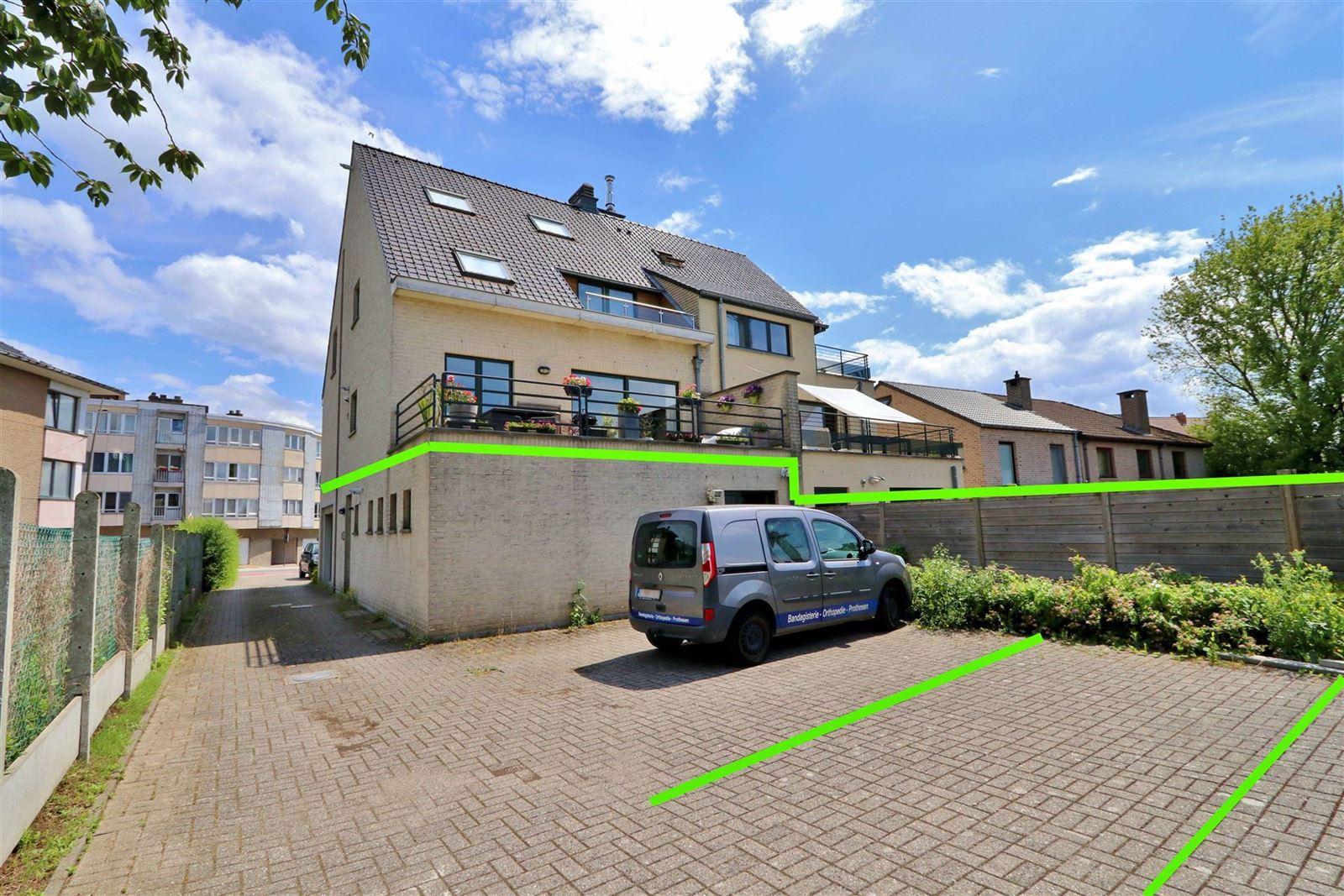 FOTO'S 2 : Bedrijfsgebouw te 1500 HALLE (België) - Prijs € 1.550