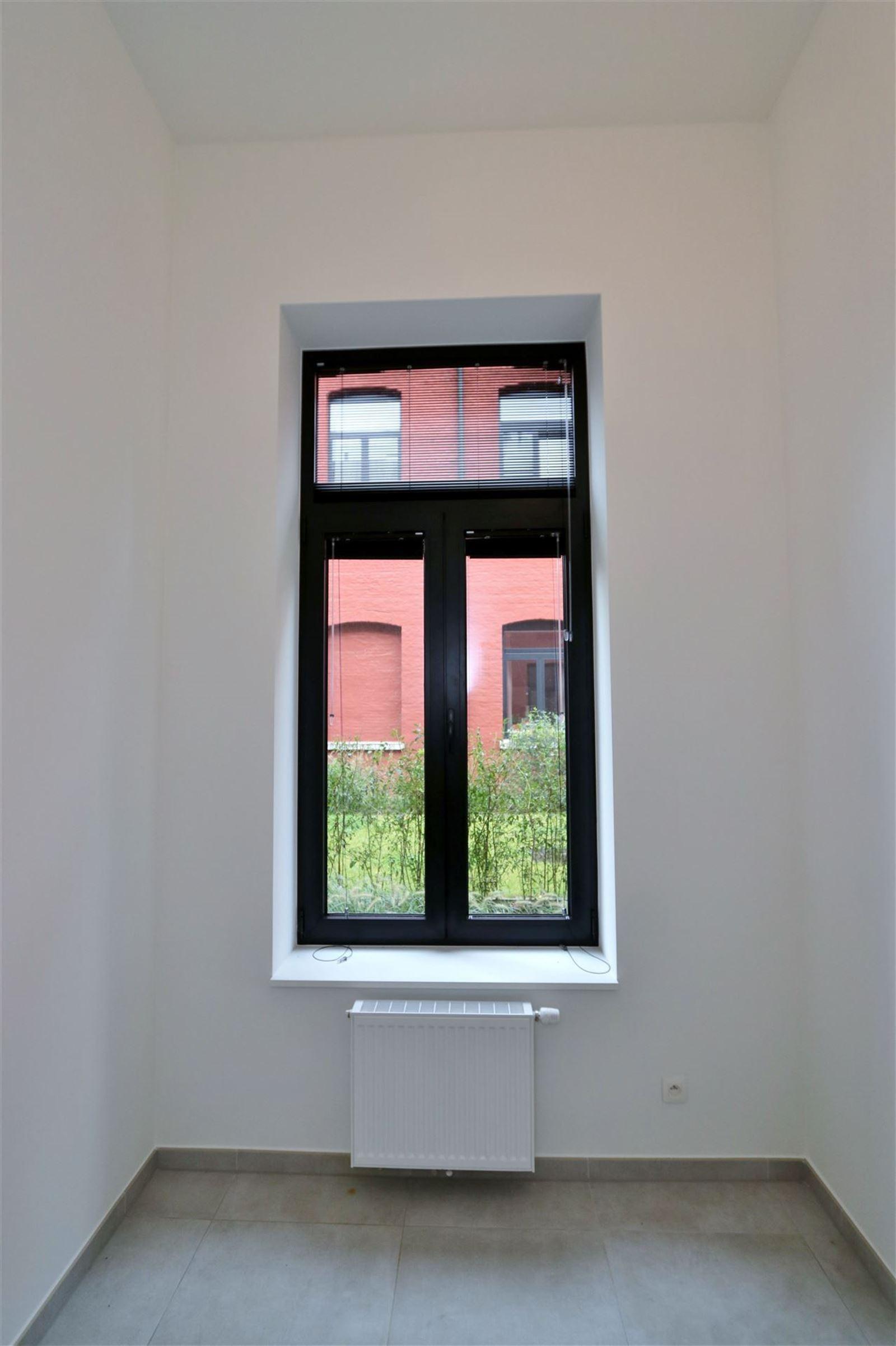 FOTO'S 12 : Appartement te 1651 LOT (België) - Prijs € 295.000