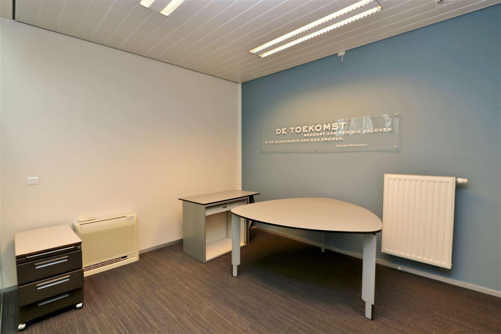 FOTO'S 11 : Handelspand te 1650 BEERSEL (België) - Prijs € 499.000