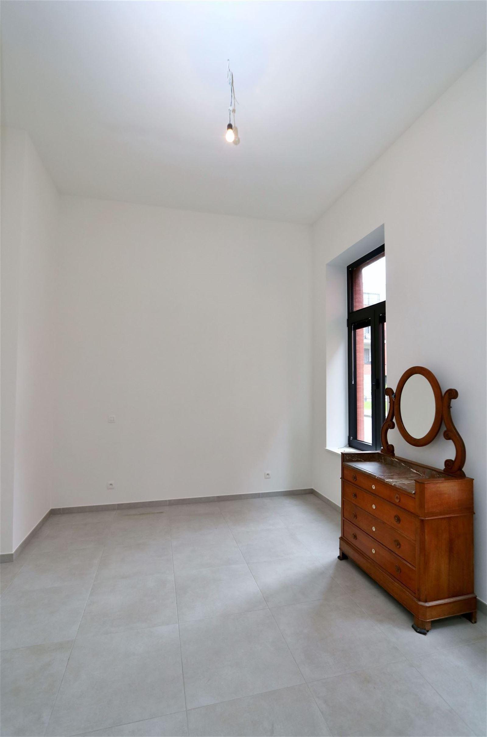FOTO'S 11 : Appartement te 1651 LOT (België) - Prijs € 295.000