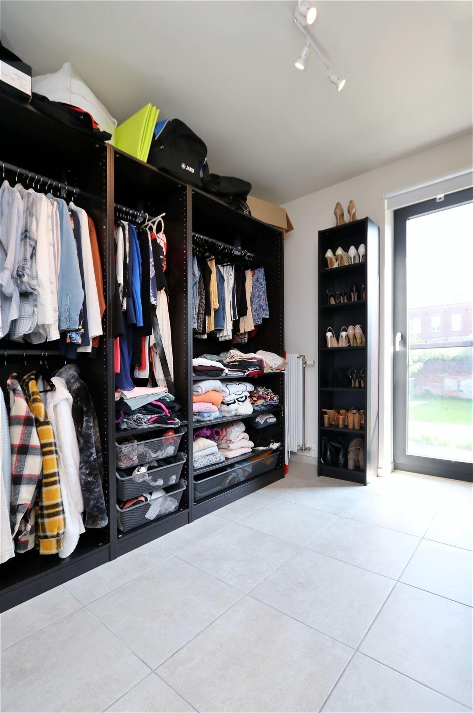 FOTO'S 9 : Appartement te 1500 HALLE (België) - Prijs € 850