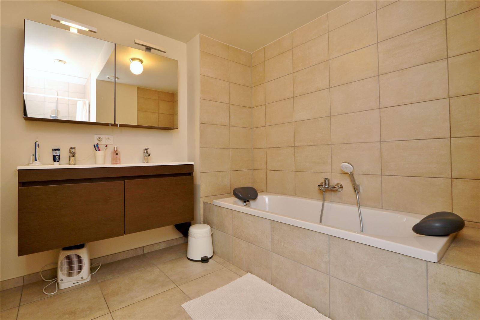 FOTO'S 8 : Appartement te 1500 HALLE (België) - Prijs € 850