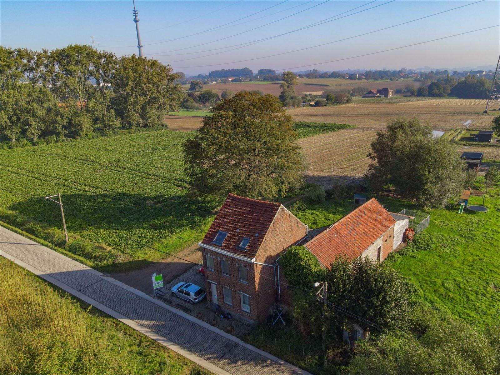 FOTO'S 2 : Woning te 1600 SINT-PIETERS-LEEUW (België) - Prijs € 410.000