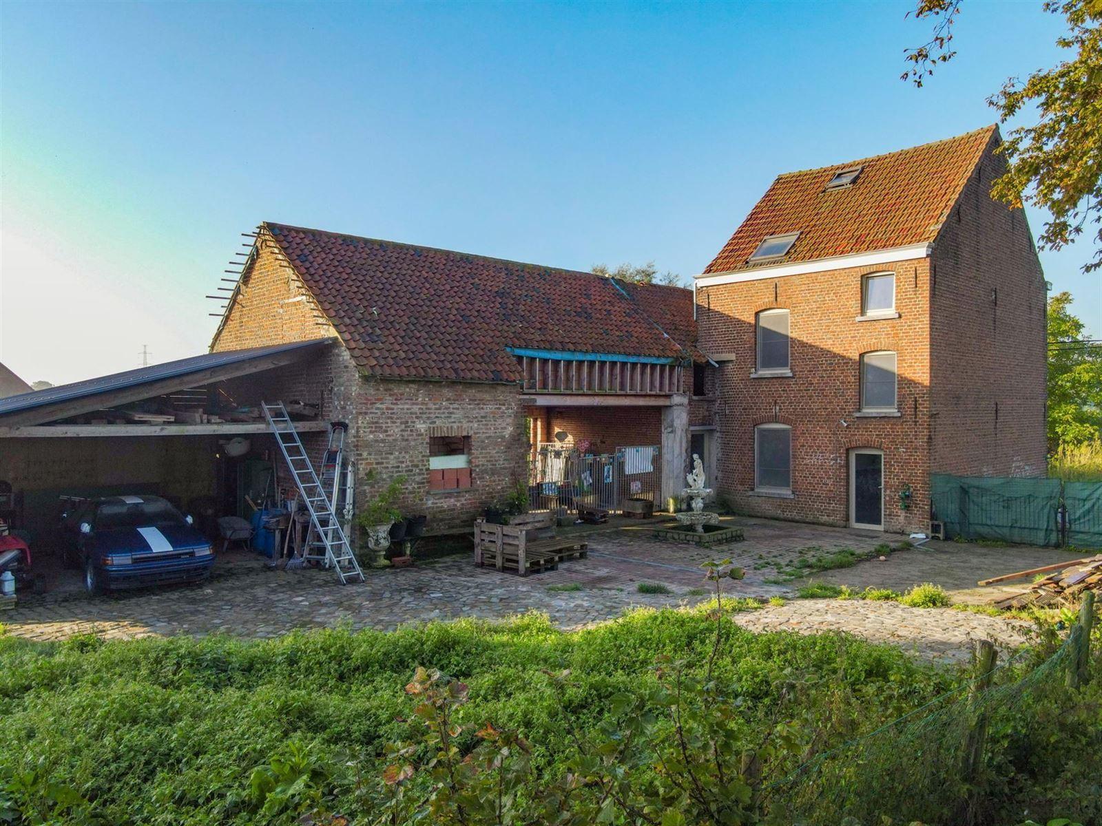 FOTO'S 28 : Woning te 1600 SINT-PIETERS-LEEUW (België) - Prijs € 410.000