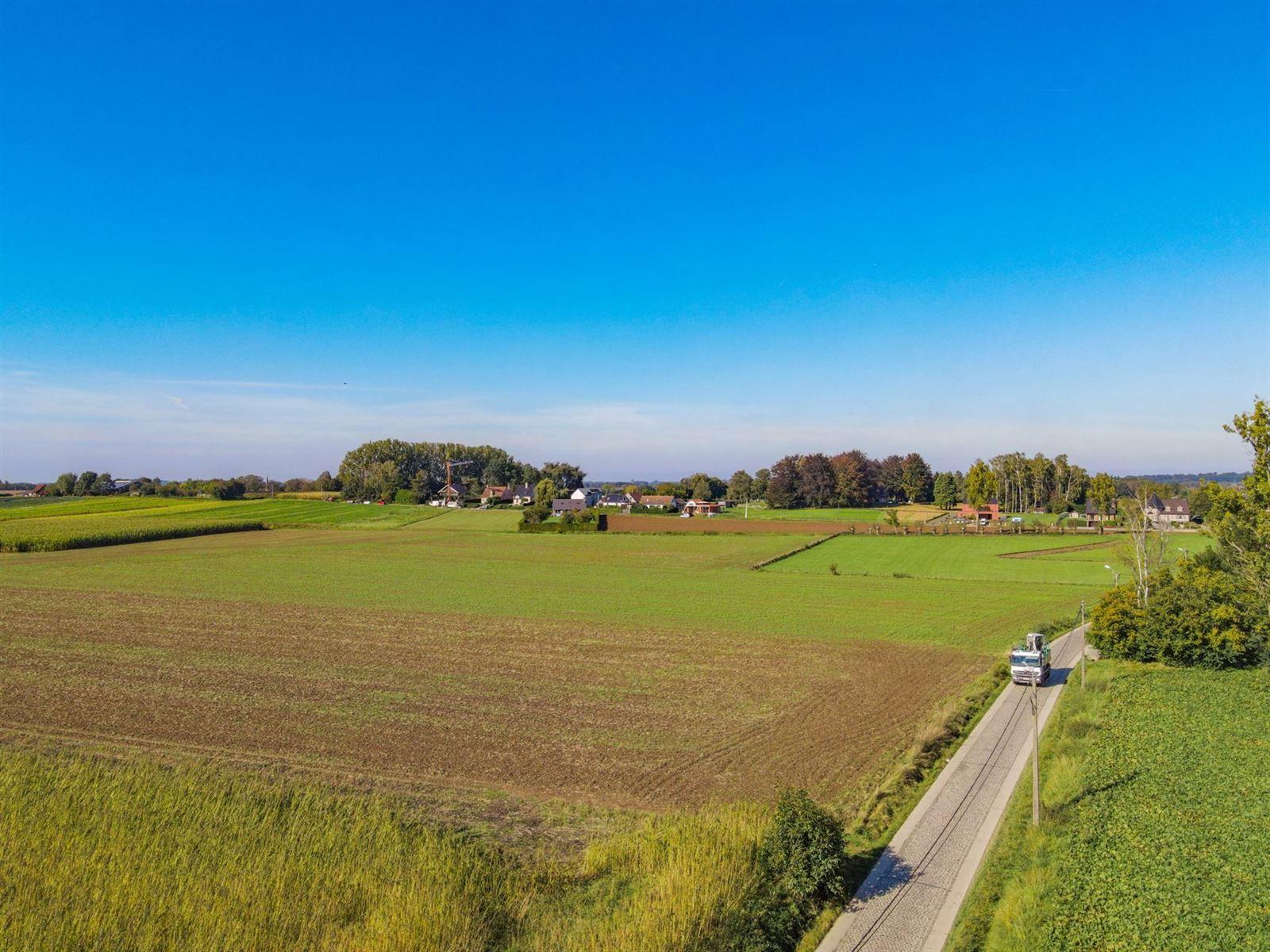 FOTO'S 5 : Woning te 1600 SINT-PIETERS-LEEUW (België) - Prijs € 410.000