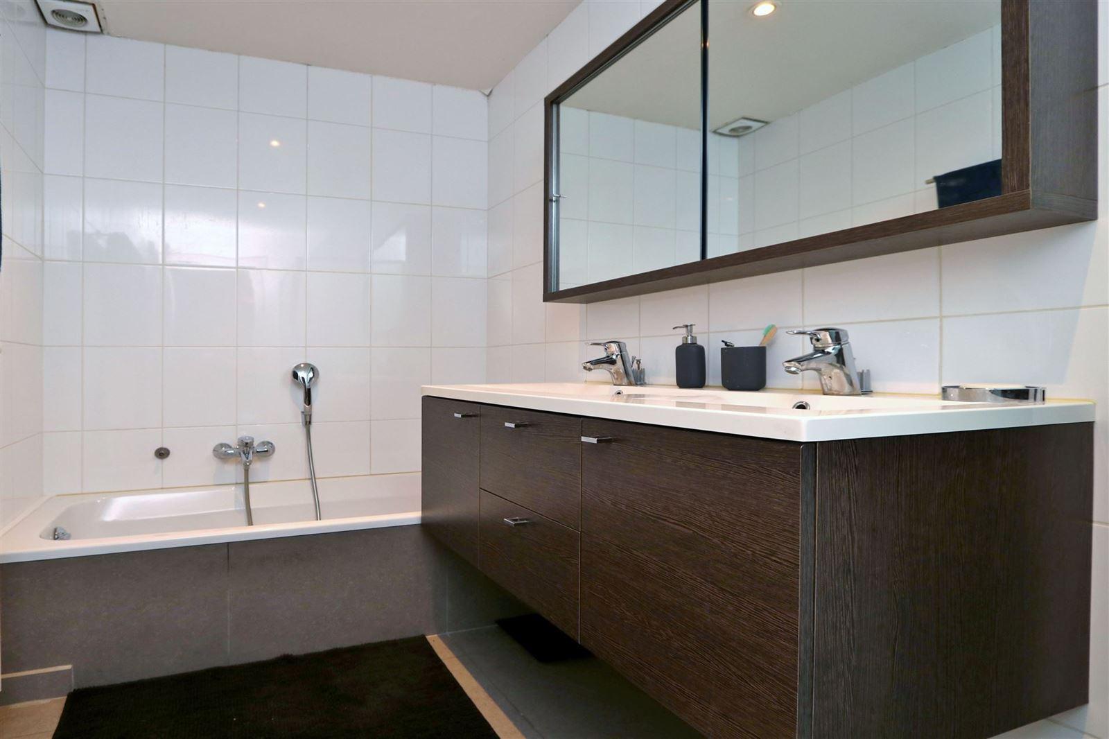 FOTO'S 5 : Appartement te 1650 BEERSEL (België) - Prijs € 880