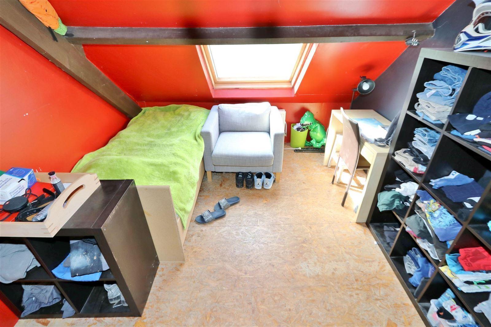 FOTO'S 26 : Woning te 1600 SINT-PIETERS-LEEUW (België) - Prijs € 410.000