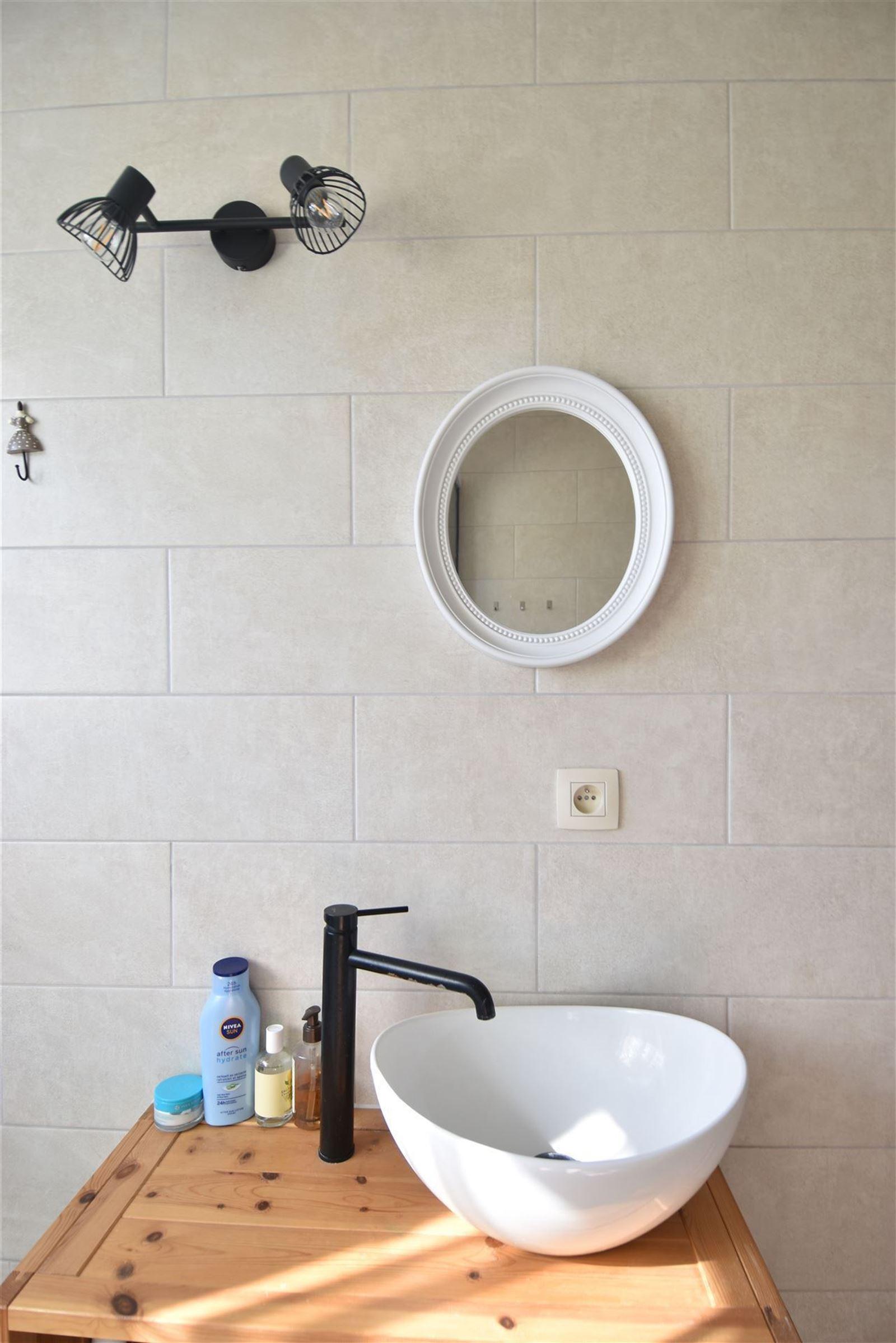 FOTO'S 16 : Appartement te 1651 LOT (België) - Prijs € 245.000